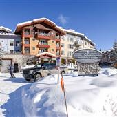 Sun Peaks Resort 100 Village WINTER